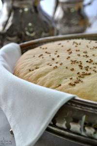 Donne in cucina: pane arabo, pasticcini e tè alla menta