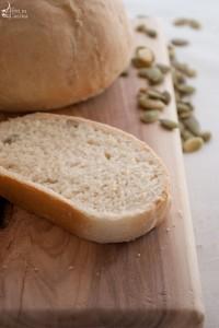 Pane con yogurt e semi di zucca!