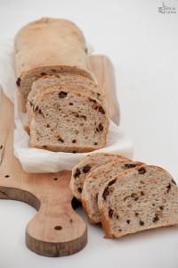 Pane dolce al cioccolato con frutta secca
