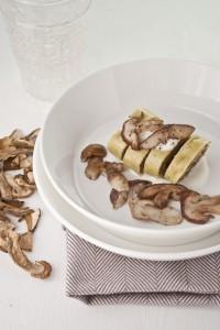 Rotolo di pasta con crema di funghi