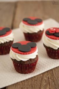 Cupcake al cioccolato per festeggiare i compleanni