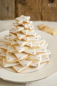 Un albero di Natale di biscotti per la cena della vigilia