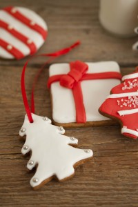 Decoriamo con i bambini i biscotti natalizi