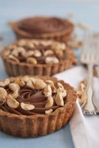 Crostatine al cioccolato e nocciole