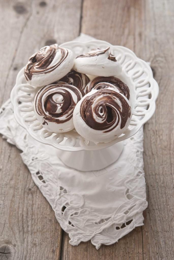 meringhe al cioccolato fondente