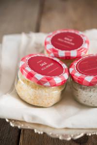 Regali golosi: sale aromatizzato agli agrumi, al timo e rosmarino