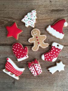 Frolla allo zenzero: la casetta di Babbo Natale e i biscotti per l'albero